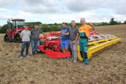 The first 10-meter disc harrow of Poettinger started working in Bulgaria