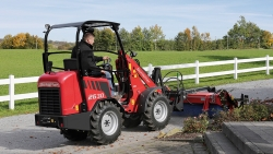 New compact loader 2630: efficiency, agility and driving comfort as standard