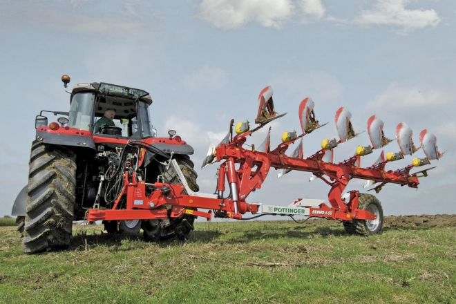Take advantage of our exclusive offer now - 10% discount on all SERVO ploughs of Pöttinger on stock!