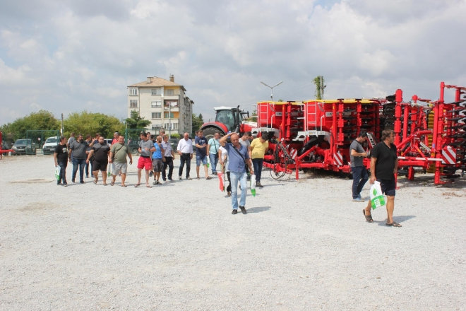 TECH DAY POLSKI TRAMBESH GATHERED FARMERS FROM NORTHERN BULGARIA